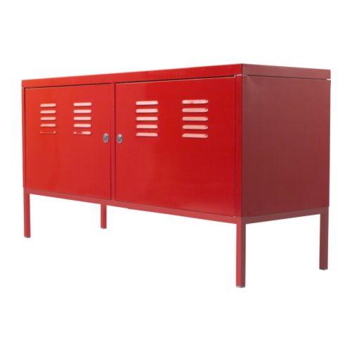Déco tendance rouge - armoire métallique industrielle